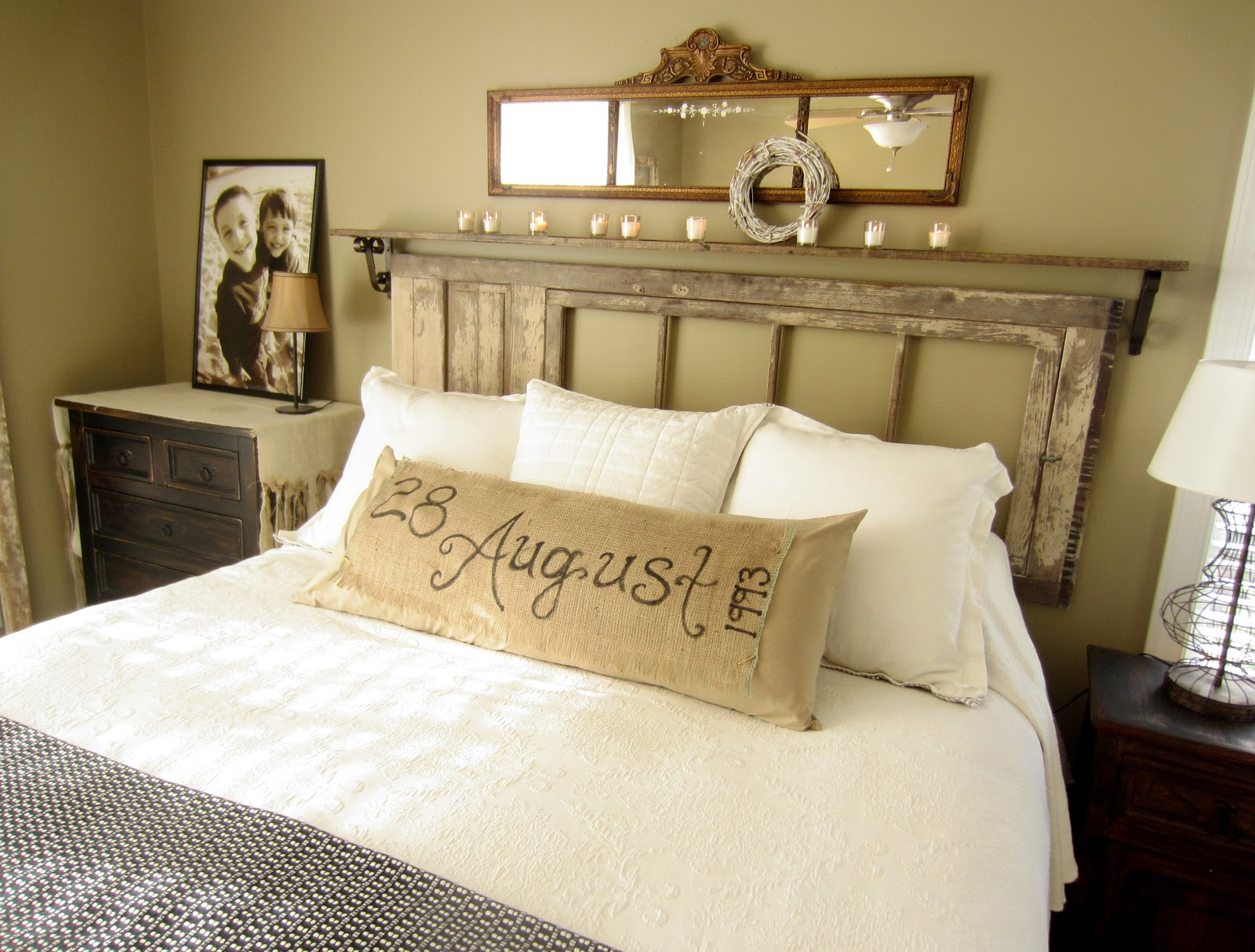 Unique Bed Decorating Ideas Without Headboard